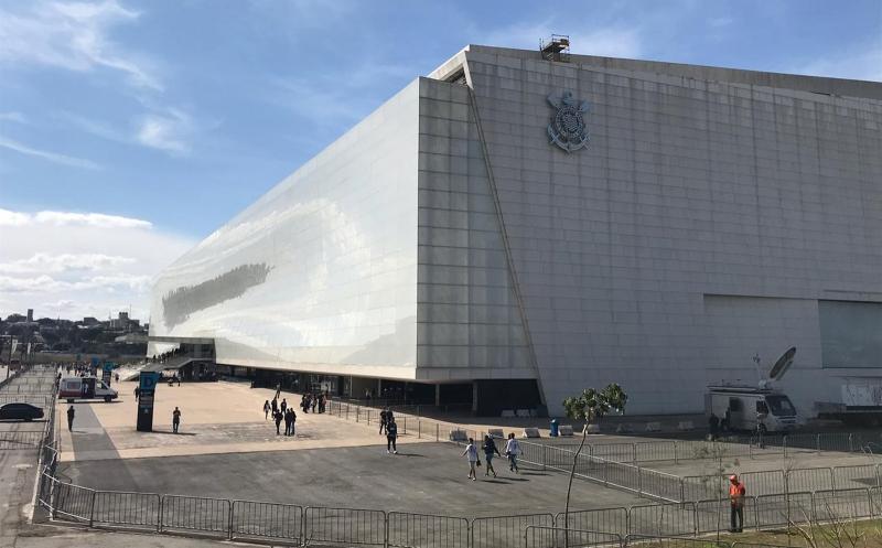 Empresa que fazia limpeza e segurança da Arena cobra R$ 5,2 milhões do Corinthians na Justiça